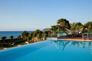 Amathus Elite Suites bild 2